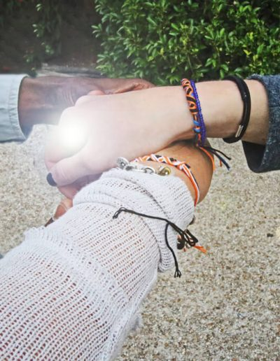 adult-bracelets-fashion-fashionable-900x675