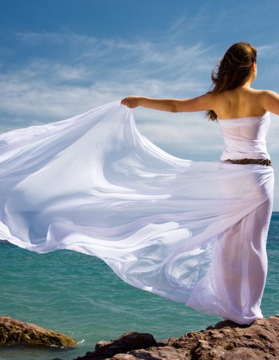 photo-woman-in-breeze-freedom